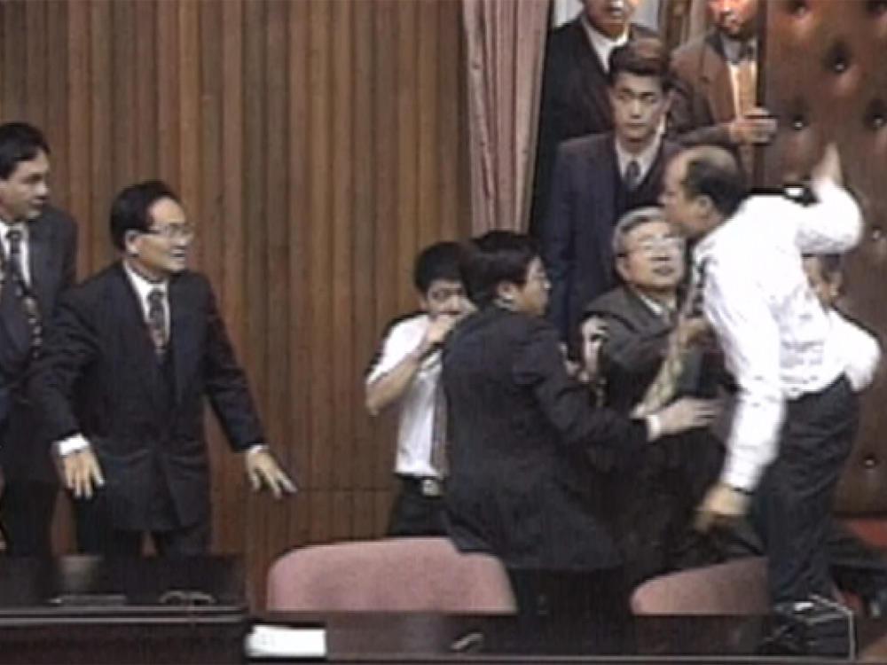 韓總少年時 國會吵架王