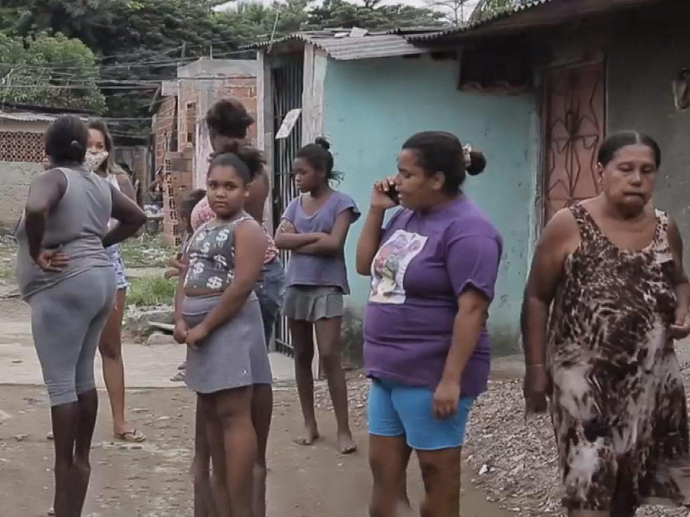 巴西貧民窟 自救抗疫