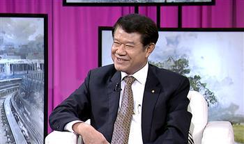 華航董事長 何煖軒