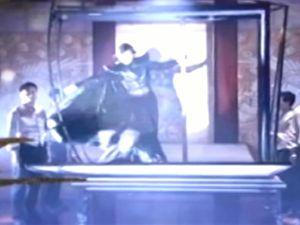 朱连魁可以说是第一位在海外大受欢迎的中国魔术师他说话...