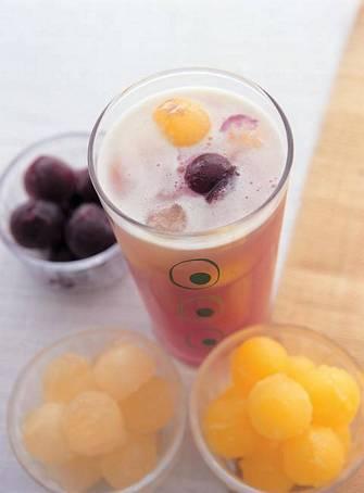 三色冰角果汁