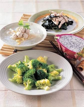 清燙花椰菜&榨菜肉球粉絲湯