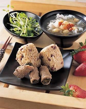 牛肉酸瓜紅豆飯&蓮子銀耳湯