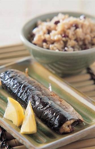 紅豆糙米飯&烤秋刀魚