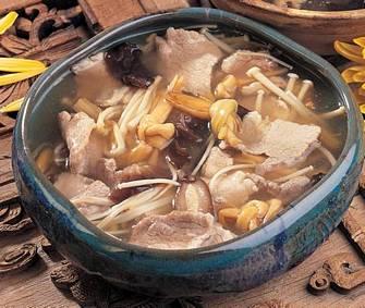 菊花松茸豆腐羹