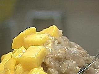 夏季限定 西瓜豆花口感天然鮮甜 招牌芒果豆花 歌手張棟樑尚愛呷 人氣芋頭芒果冰 芋頭鬆軟超綿密