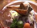 瞄準個人商機 餐廳推海鮮套餐搶客 川燙鮮甜花枝 火烤香螺五味醬提味 新鮮食材直送 簡單料理吃出海鮮原味